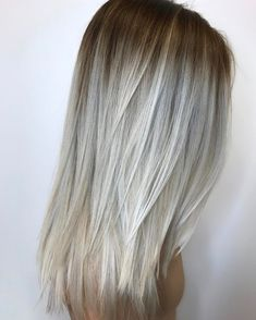 Platinum Blonde Color Melt Blending together all tones of blonde, this color melt looks breathtaking on medium and longer lengths of hair. Platinum Blonde Color Melt - Blonde Hair Color Ideas To Try This Spring - Photos Blonde Ombre Hair, Summer Blonde Hair, Platinum Blonde Balayage, Cool Blonde Hair, Light Blonde Hair, Blonde Color, Platinum Hair, Dark Hair, Grey Balayage