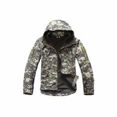 จัดส่งฟรี  เสื้อแจ็คเก็ตผู้ชาย แจ็คแก็ตเดินป่า เสื้อทหารกันฝน กันน้ำ กันหนาวลายพรางทหาร TAD GEAR (ลายพรางดิจิตอล)  ราคาเพียง  1,750 บาท  เท่านั้น คุณสมบัติ มีดังนี้ เสื้อทหารกันฝน เสื้อกันฝนลายพราง& เสื้อกันฝนทหาร shark skin soft shell สไตล์แทดเกียร์ TAD GEAR& กันลมกันฝนให้ความอบอุ่น งานคุณภาพสูง วัสดุคล้ายผิวหนังของฉลามเหมือนจริง& การตัดเย็บดี แนวด้ายเป็นระเบียบ& เนื้อผ้าหนา กันลมและอากาศเย็นได้อย่างดี สามารถระบายความร้อนได้ดีด้วยเช่นกัน&