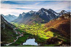 Somiedo (Astúrias, España) – Foto de Pablo Lopez / http://turismoenllanes.es/2014/11/27/%E2%9C%94-25-fotos-para-morir-de-amor-por-asturias/