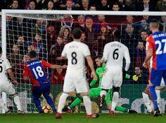 mcarthur-goal-man-utd-4361-3470615_478x359.jpg (478×358) James McArthur scores against Manchester United