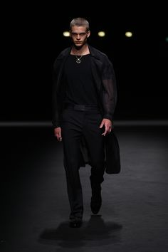 versace, desfile masculino, moda masculina, semana de moda, fashion week, london fashion week, menswear, alex cursino, blog de moda masculina, digital influencer, social media, youtuber (45)