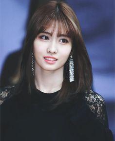 "momoraccoon do not edit "" TWICE ❣ Š¸ì™€ì´ìŠ¤ Nayeon, Rapper, Kpop Girl Groups, Kpop Girls, Hirai Momo, Entertainment, Korea Fashion, Korean Girl, Girl Hairstyles"