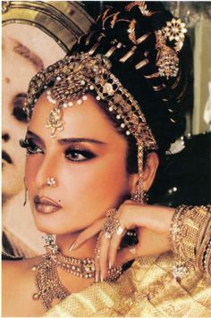 Indian actress Rekha My Childhood First CRUSH... I Love Her and She is my Favarite Actress :) <3