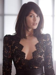 Beautiful-Women: Gemma Christina Arterton is an English actress. She is best known for her roles in St Trinian's, Quantum of Solace, Clash of the Titans, Hansel &… Funny Beautiful-Women Gemma Christina Arterton, Beautiful Celebrities, Beautiful Actresses, Gorgeous Women, Simply Beautiful, Gemma Arteton, Corte Y Color, Beauty And Fashion, Mädchen In Bikinis