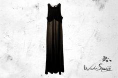 NEUROMANTE.  Busto y espalda alta de terciopelo negro. Talla CH y M. Detalles de grabado laser en la punta de la falda.  $350