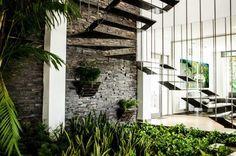 Escalera : Pasillos, vestíbulos y escaleras modernos de ARKOT arquitectura + construcción                                                                                                                                                                                 Más