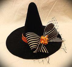 Sombrero bruja mini arco con flores
