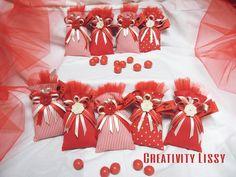 SACCHETTI PORTA CONFETTI PER LAUREA, by Creativity Lissy, 4,00 € su misshobby.com Laura Lee, Confetti, Potpourri, Wedding Favors, Buffet, Diy And Crafts, Graduation, Wraps, Gift Wrapping