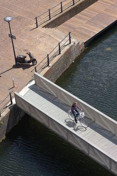 Atelier Kempe Thill, Schwarz   Architekturfotografie · Urban Podium Rotterdam · Divisare
