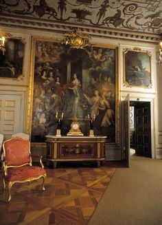 Erenstrahl's Salon - The Drottningholm Palace is the private residence of the Swedish royal family. Palace Interior, Mansion Interior, Interior And Exterior, Stockholm, Interior Styling, Interior Decorating, Chateau Hotel, French Bedroom Decor, Luxury Rooms
