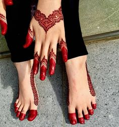 Latest hand henna designs for weddings in 2019 27 Mehndi Designs Feet, Finger Henna Designs, Mehndi Designs Book, Mehndi Designs 2018, Modern Mehndi Designs, Mehndi Designs For Beginners, Mehndi Design Pictures, Mehndi Designs For Girls, Wedding Mehndi Designs