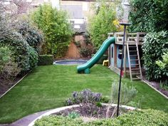 Love the circle echoing the sunken trampoline Garden Trampoline, Sunken Trampoline, In Ground Trampoline, Design Patio, Small Garden Design, Back Gardens, Small Gardens, Family Garden, Garden Kids