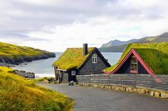 Leynar, Faroe Islands, a small village on the west coast of the island of Streymoy. In its population was Seen here is the home, workshop and gallery of Ole Jakob Nielsen, a sculptural-woodturner. Roofing Options, Residential Roofing, Living Roofs, Faroe Islands, Green Building, Oh The Places You'll Go, Land Scape, The Good Place, Beautiful Places