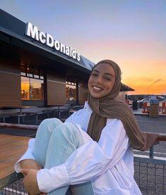Modest Fashion Hijab, Modern Hijab Fashion, Muslim Women Fashion, Street Hijab Fashion, Hijab Fashion Inspiration, Mode Inspiration, Hijab Chic, Modesty Fashion, Hajib Fashion