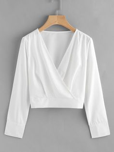 Shop V Neckline Surplice Crop Top online. SheIn offers V Neckline Surplice Crop Top & more to fit your fashionable needs. Shorts Outfits Women, Skirt Outfits, Outfits For Teens, Cropped Tops, Crop Tops Online, Girl Fashion, Fashion Outfits, Plain Tops, White Long Sleeve