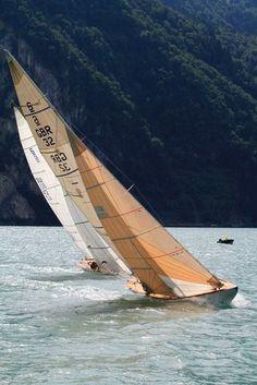 Classic Boats Racing