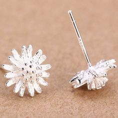 925k Silver Daisy Flower Stud Earrings