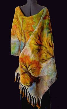 Autumn Flowers hand knit shawl by MAG Tricota