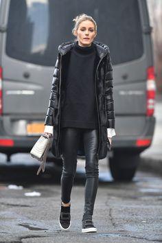 Olivia Palermo con leggings de cuero