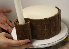 How to Make Fondant Basketweave 21 Could come in hadby for hot air balloon cake Fondant Tips, Fondant Icing, Fondant Tutorial, Fondant Cakes, Cupcake Cakes, Making Fondant, Car Cakes, Cake Decorating Techniques, Cake Decorating Tutorials