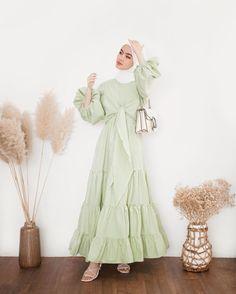 Modest Fashion Hijab, Modern Hijab Fashion, Modesty Fashion, Hijab Fashion Inspiration, Casual Hijab Outfit, Muslim Fashion, Look Fashion, 80s Fashion, Mode Abaya