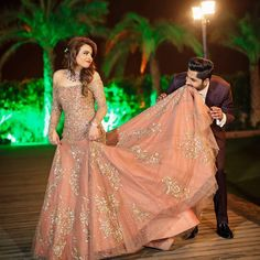 See our latest photo collections of Indian Wedding Couple portrait in different poses and from different places and locations. Lovely images of Couple portrait. Indian Wedding Gowns, Indian Gowns Dresses, Indian Bridal Fashion, Pakistani Bridal Dresses, Bride Indian, Engagement Dress For Bride, Engagement Gowns, Lehenga Designs, Bride Reception Dresses