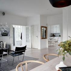 Stensö - ETT SMART HUS lämnar så lite avtryck som möjligt Rum, Oversized Mirror, Boston, House, Furniture, Greek, Home Decor, Wood Cabins, Decoration Home