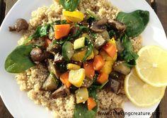 Запеченные овощи с грибами и кинва под соусом тахини по-мароккански.