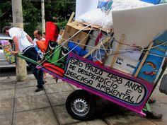 Projeto artístico vai customizar carroças de catadores de lixo em SP  'Pimp my Carroça' colocará retrovisores, buzinas e desenhos nos carrinhos. Ideia é dar visibilidade a quem trabalha com reciclagem, diz grafiteiro.