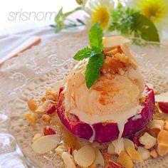 中川シェフ〜♡ 1日遅れました。すみません(^◇^;) お誕生日おめでとうございます 焼きリンゴでお祝いしたくて…(o^^o) オレンジキュラソーとメイプルシロップでナッツたっぷり♪ 美味しいレシピありがとうございました(o^^o) - 243件のもぐもぐ - Chef 中川さんの焼きりんご! by srisnom