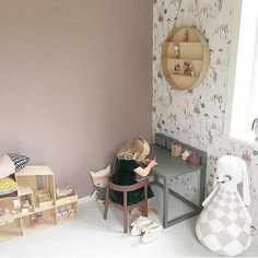 Some Thursday morning kidsroominspo for you. A colour scheme in dusty green and rose against neutral birch wood and white. A bit unusual but it looks great - what do you think? The @fermlivingkids dorm shelf is available from us and we've added it in our sale for just a short time so if you've had you eye on it do be quick! . . . ⠀⠀ #fermliving #nordichome #worldoflittles #celebrate_childhood #scandinaviandesign #kidsinteriors #kidsroomdecor #kidsroominterior #nurseryinspo #nurserydecor #...