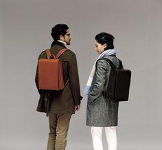 ランドセルや革鞄を手掛ける土屋鞄製造所が、大人の仕事鞄「OTONA RANDSEL」を発表した。同社が大人向けにランドセルを開発したのは今回が初めてで、新しいビジネススタイルとして提案する。ハードタイプとソフトタイプの2型をそれぞれブラックとブラウンの2色で展開し、価格は税込各10万円。11月3日から実店舗やオンラインショップなどで受注を開始する。