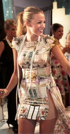 Gossip Girl love this dress for Blair's breakfast at Tiffany's party. Gossip Girls, Moda Gossip Girl, Gossip Girl Outfits, Gossip Girl Fashion, Blake Lively Moda, Blake Lively Family, Blake Lively Style, Fashion Tv, Estilo Serena Van Der Woodsen