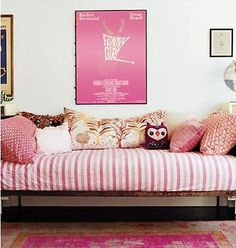 Quick Tip Use Striped Bedding To Define A Daybed