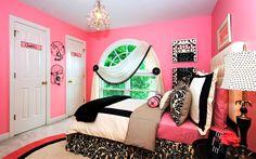 pink room decor Image