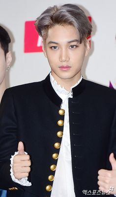 Kai - 161202 2016 Mnet Asian Music Awards, red carpet Credit: 엑스포츠뉴스.