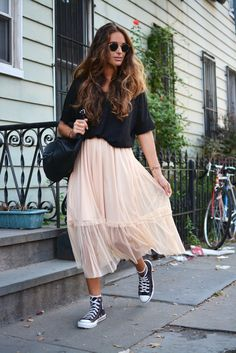From Williamsburg, last September, during NYFW, I wore this tulle midi skirt from Zara ( this season ) to take a walk for the hood. W...