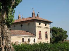Le origini della Sforzesca, una delle cascine più belle e amate della Lomellina, risalgono alla fine del Quattrocento, quando Ludovico il Moro, signore di Milano, decise di far erigere una villa in