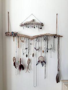 Driftwood Jewelry Organizer Wall Hanging Necklace von Curiographer