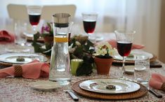 Dekor, table, spring White Cottage, Blog, Table Decorations, Spring, Home Decor, Wood Grain, Decoration Home, Room Decor, Blogging