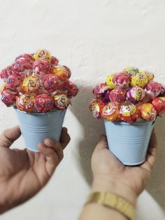 59 New Ideas Party Table Centerpieces Diy Kids Lollipop Bouquet Lollipop Centerpiece, Lollipop Bouquet, Candy Bouquet Diy, Party Table Centerpieces, Diy Bouquet, Lollipop Decorations, Lollipop Party, Fall Candy, Candy Crafts