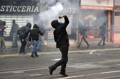 No Expo in corteo, Milano a ferro e fuoco