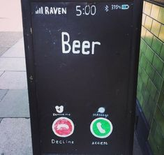 35 Clever and Honest Restaurant Signs That Are Setting The Bar High - We share because we care. A resource for sharing the latest memes, jokes and real stuff about parenting, relationships, food, and recipes Restaurant Signs Funny, Chalkboard Restaurant, Funny Bar Signs, Restaurant Drinks, Restaurant Specials, Pub Signs, Beer Signs, Bar Drinks, Modern Restaurant