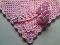 Couverture 80x80cm, bonnet, chaussons bébé crochet de Tatjana's Boutique sur DaWanda.com