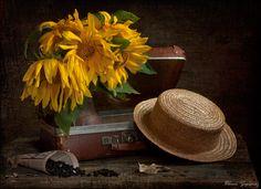 35PHOTO - Eleonora Grigorjeva - А у окна стоял мой чемоданчик...