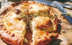 10 really good pie maker lunchbox recipes | Mumlyfe Lunch Box Recipes, Pie Recipes, Seafood Recipes, Ted Talks For Kids, Mars Bar Slice, Date Slice, Ham And Eggs, Fish Pie, Good Pie