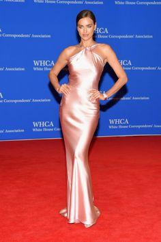 Pin for Later: Seht alle Stars beim White House Correspondents' Dinner Irina Shayk