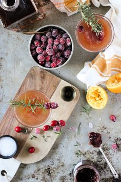 Shaken with ice, this delicious Whiskey Smash recipe is a spin on the classic cocktail with jam, bourbon, orange juice and soda. Quick, simple & fresh! http://sheeats.ca/2015/12/winter-wonder-jam-whiskey-smash/