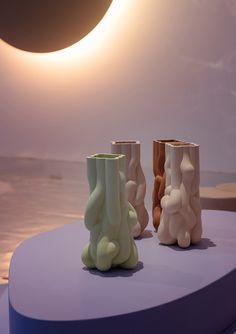 """""""Tides"""" is an ethereal exhibition that brings underwater exploration to Milan Design Week, created by Kwangho Lee x Wang & Söderström. Uncommon Grounds, Cerámica Ideas, Bronn, Chandelier, Vase, Candle Holders, Objects, Candles, Sculpture"""