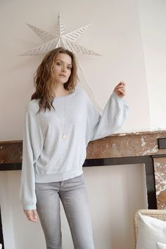 Pull Raphaëlle www.lescomptoirsd... #lescomptoirsdorta #eshop #pull #raphaëlle #ciel #sky #blue #pullover #oversize #spring #collection #crush